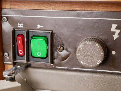 Electrical controls of a three-way fridge